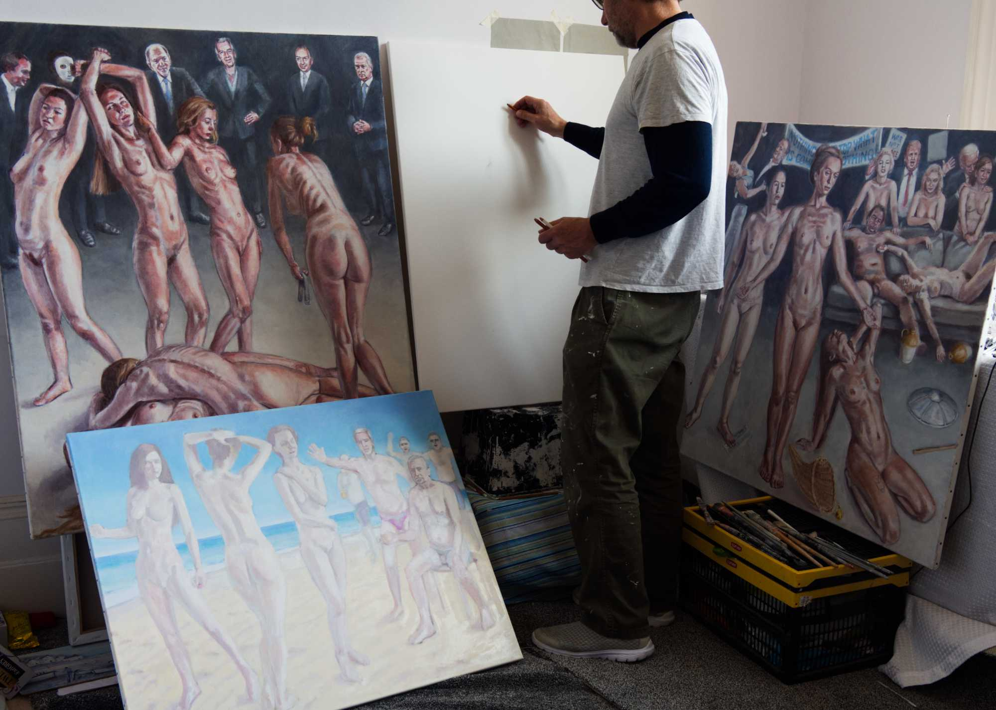contemporary figurative artist Peter D'Alessandri artist working in studio on new paintings